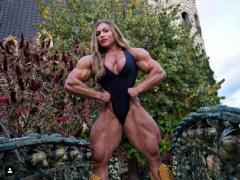 驚異的な筋肉ボディ ロシア最大のマッチョ女性が凄過ぎる