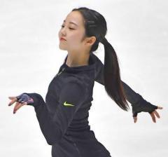 本田真凜、家族とあえて「ハッピー」 フィギュア全日本選手権
