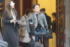 乙武洋匡と交際報道のザギトワ似ハーフ美女、家族公認の仲か