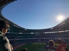 新国立競技場、これで大丈夫? サッカー観戦には不向きな屋根、大渋滞&激狭の通常トイレには「温水洗浄便座」なし…