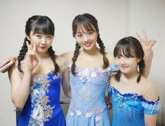 本田真凜、姉妹の仲良しスリーショットを公開 ファン絶賛