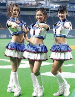 日本ハム ファイターズガールの新コスチュームは「AKB流」