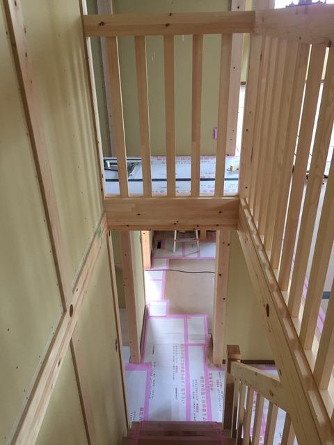 建物内部 階段完成です