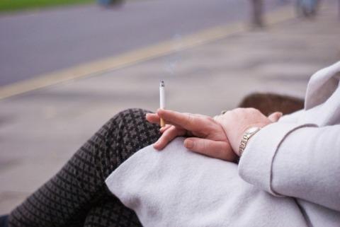 屋内全面禁煙