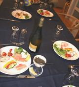 ブルーのテーブルクロス