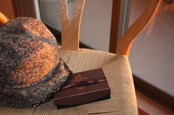 帽子とチョコ