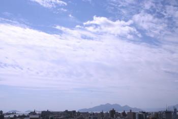 宮島と青空