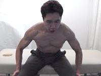 自重で胸のトレーニング。自宅で簡単、大きな胸の筋肉を手に入れろ!バストアップにも効果的♪
