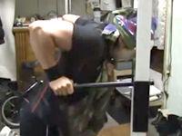 【上腕三頭筋】ディップスでトレーニング【大胸筋下部】