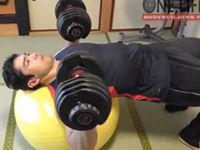 マッサの10分間ホーム筋トレ4:胸 &腹筋