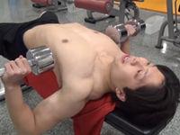 大胸筋はこうやって鍛える。ダンベルプレス&ダンベルフライ&プッシュアップ