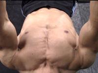 大胸筋の鍛え方 胸のトレーニングで内側まで意識するためのポイントについて解説