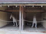 10西第十曲輪の掘立柱建物内のペーパー馬