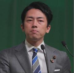 小泉進次郎氏 コロナ禍でも1泊18万円個室に即入院、即手術の特別扱い