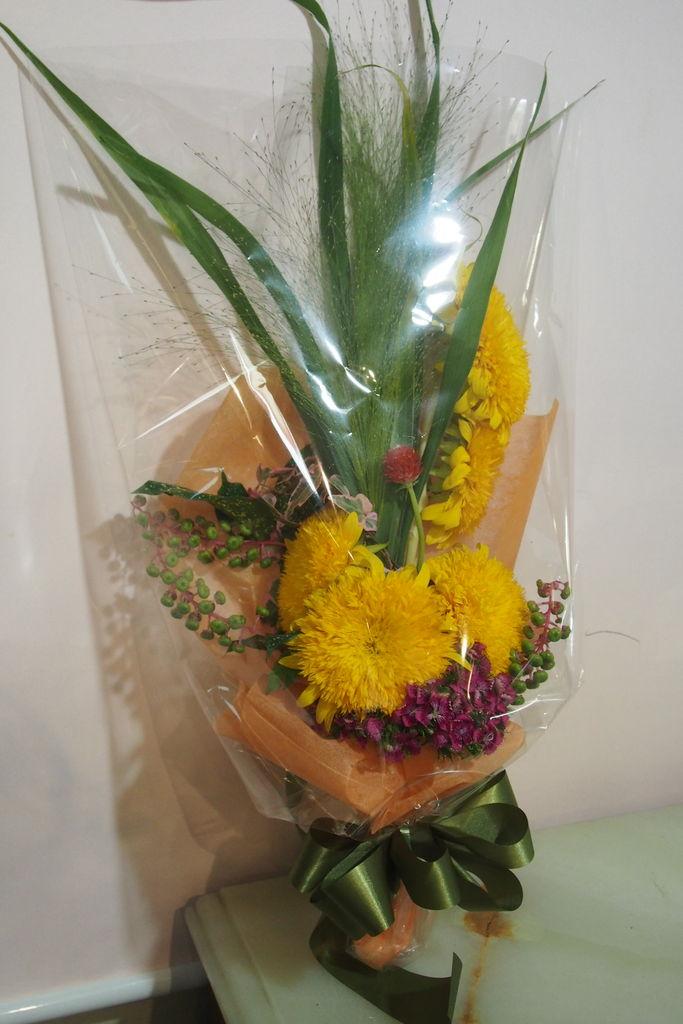 花ギフト|フラワーギフト|誕生日 花|カノシェ話題|スタンド花|ウエディングブーケ|花束|花屋|P8240915