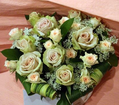 花ギフト フラワーギフト 誕生日 花 カノシェ話題 スタンド花 ウエディングブーケ 花束 花屋 dezart