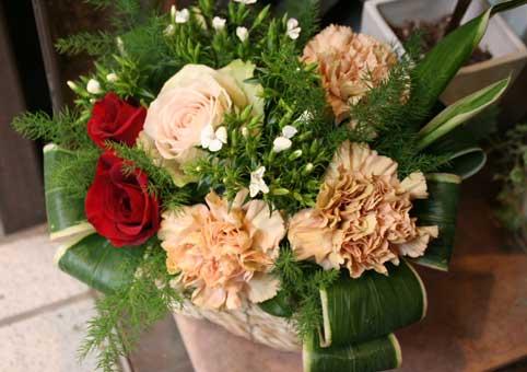 花ギフト|フラワーギフト|誕生日 花|カノシェ話題|スタンド花|ウエディングブーケ|花束|花屋|秋ベージュ