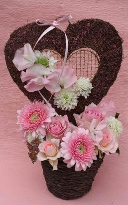 花ギフト|フラワーギフト|誕生日 花|カノシェ話題|スタンド花|ウエディングブーケ|花束|花屋|valentine2012_a_01