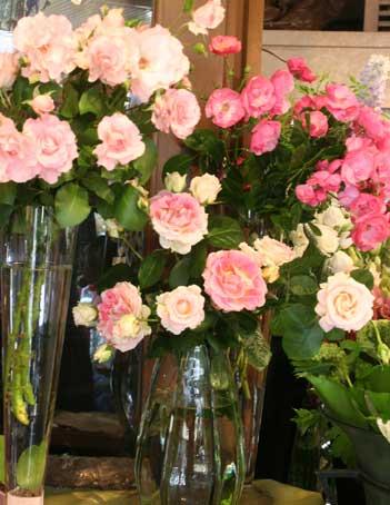 花ギフト|フラワーギフト|誕生日 花|カノシェ話題|スタンド花|ウエディングブーケ|花束|花屋|バラ店内