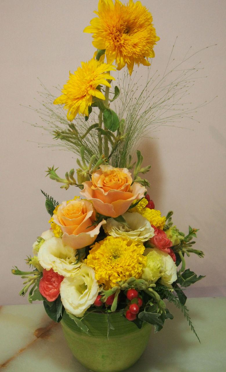 花ギフト|フラワーギフト|誕生日 花|カノシェ話題|スタンド花|ウエディングブーケ|花束|花屋|55961