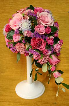 花ギフト|フラワーギフト|誕生日 花|カノシェ話題|スタンド花|ウエディングブーケ|花束|花屋|よしざわさん 本番前