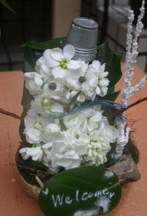 花ギフト|フラワーギフト|誕生日 花|カノシェ話題|スタンド花|ウエディングブーケ|花束|花屋|雪だるま