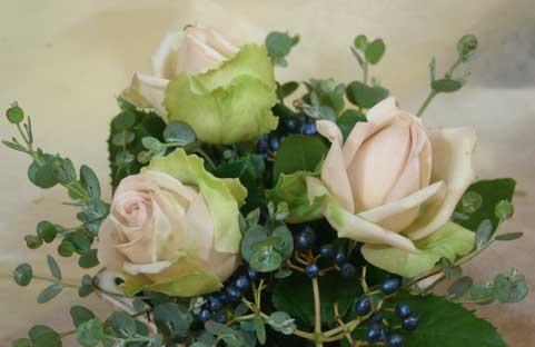 花ギフト フラワーギフト 誕生日 花 カノシェ話題 スタンド花 ウエディングブーケ 花束 花屋 デザート
