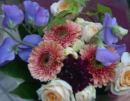 花ギフト フラワーギフト 誕生日 花 カノシェ話題 スタンド花 ウエディングブーケ 花束 花屋 タイフーン