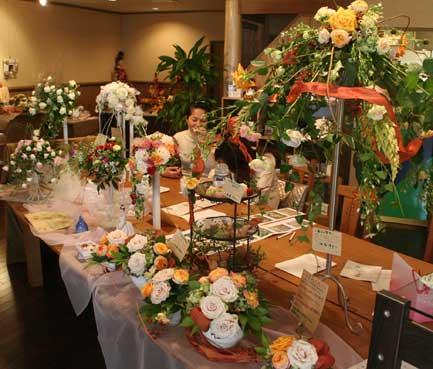 花ギフト|フラワーギフト|誕生日 花|カノシェ話題|スタンド花|ウエディングブーケ|花束|花屋|紅茶色