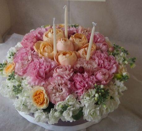 花ギフト|フラワーギフト|誕生日 花|カノシェ話題|スタンド花|ウエディングブーケ|花束|花屋|HAPPY BIRTHDAY! ラブリーケーキ