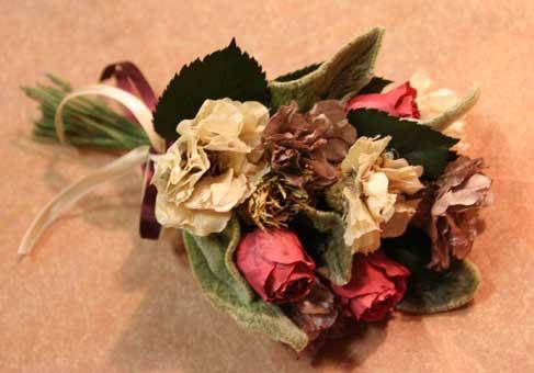 花ギフト|フラワーギフト|誕生日 花|カノシェ話題|スタンド花|ウエディングブーケ|花束|花屋|ゆみこさんコサージュ