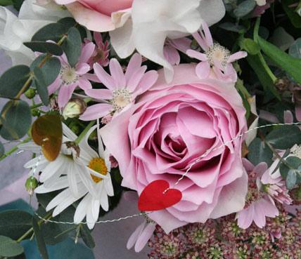 花ギフト|フラワーギフト|誕生日 花|カノシェ話題|スタンド花|ウエディングブーケ|花束|花屋|heart-metal
