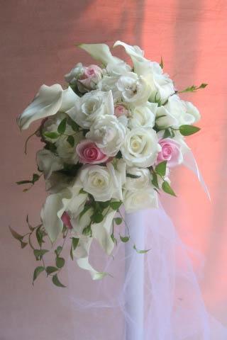 花ギフト|フラワーギフト|誕生日 花|カノシェ話題|スタンド花|ウエディングブーケ|花束|花屋|ジャルダン・ド・ルセーヌ白