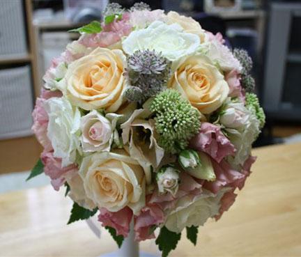 花ギフト|フラワーギフト|誕生日 花|カノシェ話題|スタンド花|ウエディングブーケ|花束|花屋|愛さん
