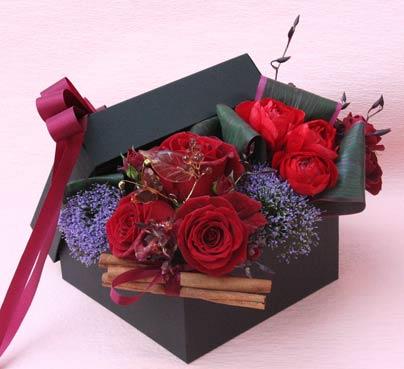 花ギフト|フラワーギフト|誕生日 花|カノシェ話題|スタンド花|ウエディングブーケ|花束|花屋|valentine2012_a_02