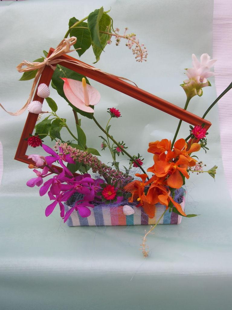 花ギフト|フラワーギフト|誕生日 花|カノシェ話題|スタンド花|ウエディングブーケ|花束|花屋|P7010589