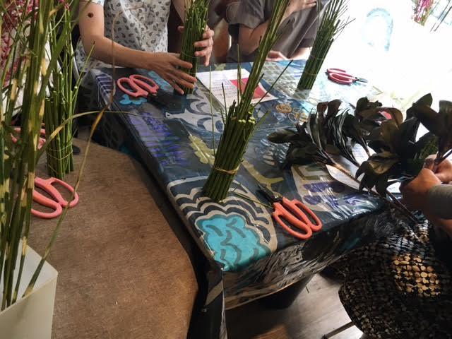花ギフト フラワーギフト 誕生日 花 カノシェ話題 スタンド花 ウエディングブーケ 花束 花屋 立った