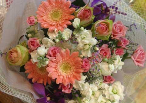 花ギフト フラワーギフト 誕生日 花 カノシェ話題 スタンド花 ウエディングブーケ 花束 花屋 ピンク