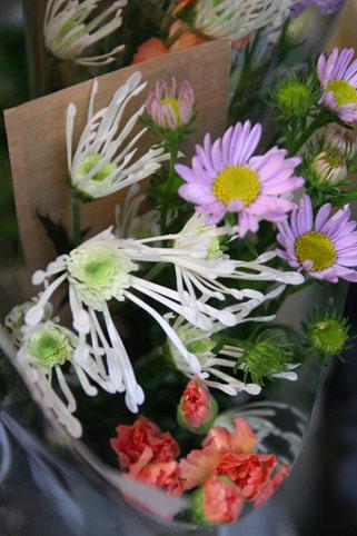 花ギフト フラワーギフト 誕生日 花 カノシェ話題 スタンド花 ウエディングブーケ 花束 花屋 IMG_0116