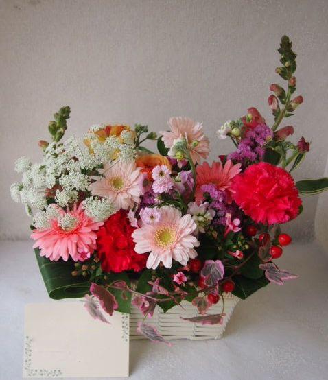 花ギフト|フラワーギフト|誕生日 花|カノシェ話題|スタンド花|ウエディングブーケ|花束|花屋|52509