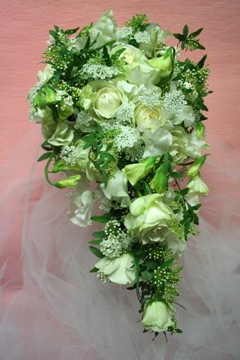 花ギフト フラワーギフト 誕生日 花 カノシェ話題 スタンド花 ウエディングブーケ 花束 花屋 フ&#12442