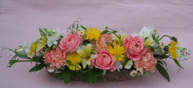 花ギフト フラワーギフト 誕生日 花 カノシェ話題 スタンド花 ウエディングブーケ 花束 花屋 IMG_7435