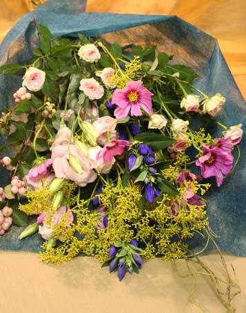 花ギフト|フラワーギフト|誕生日 花|カノシェ話題|スタンド花|ウエディングブーケ|花束|花屋|コスモス花束