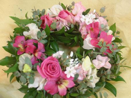 花ギフト フラワーギフト 誕生日 花 カノシェ話題 スタンド花 ウエディングブーケ 花束 花屋 リースピンク