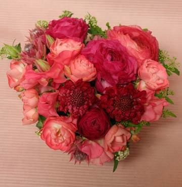 花ギフト フラワーギフト 誕生日 花 カノシェ話題 スタンド花 ウエディングブーケ 花束 花屋 さんh