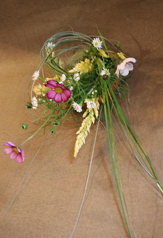 花ギフト|フラワーギフト|誕生日 花|カノシェ話題|スタンド花|ウエディングブーケ|花束|花屋|かずえさんコスモス