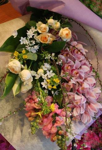 花ギフト フラワーギフト 誕生日 花 カノシェ話題 スタンド花 ウエディングブーケ 花束 花屋 sinnbi