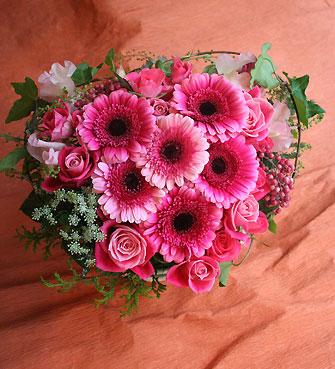 花ギフト|フラワーギフト|誕生日 花|カノシェ話題|スタンド花|ウエディングブーケ|花束|花屋|ハート1