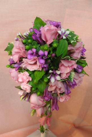 花ギフト|フラワーギフト|誕生日 花|カノシェ話題|スタンド花|ウエディングブーケ|花束|花屋|さくらいさんブーケ