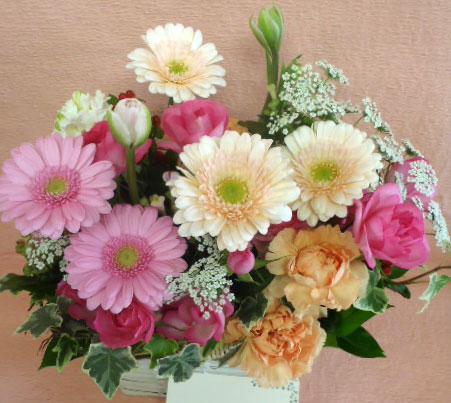 花ギフト|フラワーギフト|誕生日 花|カノシェ話題|スタンド花|ウエディングブーケ|花束|花屋|キュート3